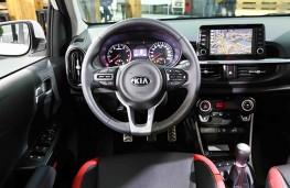 Kia Picanto GT-Line 2017 cockpit