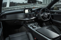 Kia Stinger, dashboard