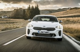 Kia Stinger, full front action