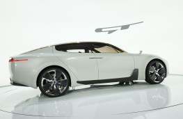 Kia GT Concept, side