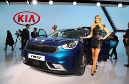 Kia Niro, front, Geneva Motor Show reveal 2016