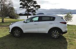 Kia Sportage, New Zealand drive, side, static