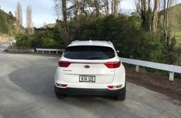 Kia Sportage, New Zealand drive, tail
