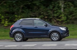 SsangYong Korando 2.2 ELX, side, action