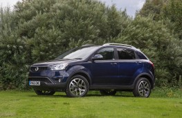SsangYong Korando 2.2 ELX, side, static