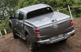Mitsubishi L200 Double Cab, rear