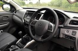 Mitsubishi L200, 2013, interior