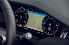 Land Rover Discovery Sport, dash detail