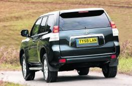 Toyota Land Cruiser, rear