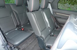Land Rover Discovery, rear seats