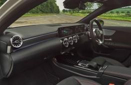 Mercedes-Benz A 180 d AMG Line, interior
