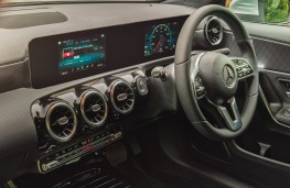 Mercedes-Benz A250 AMG, interior