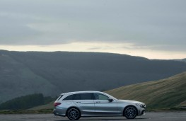 Mercedes C-Class Estate, side