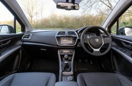 Suzuki S-Cross, interior
