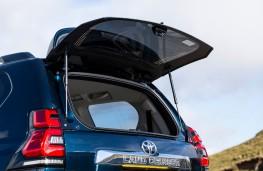 Toyota Land Cruiser, 2021, rear window