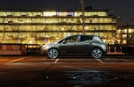 Nissan Leaf, side