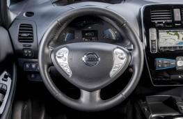 Nissan Leaf 2105, dashboard