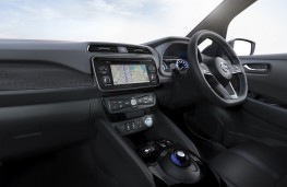 Nissan Leaf, 2018, interior