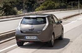 Nissan Leaf 2105, rear