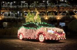 Nissan Leaf, Christmas decor