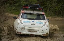 Nissan LEAF AT-EV, 2017, rear, water