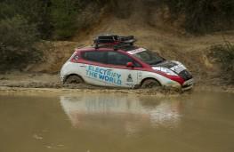 Nissan LEAF AT-EV, 2017, side, water