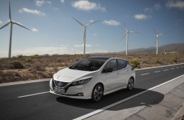 Nissan Leaf, 2018, front, wind farm