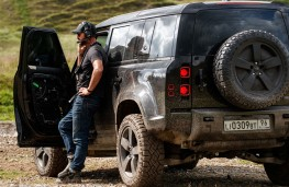 Land Rover Defender, No Time To Die, with stunt co-ordinator Lee Morrison