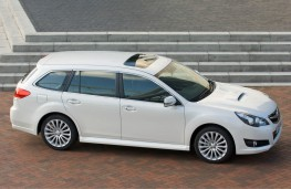 Subaru Legacy Tourer, side