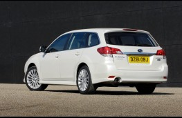 Subaru Legacy Tourer 2.0 SE Nav Plus, rear