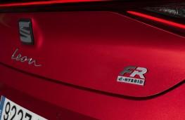 SEAT Leon e-Hybrid, 2020, badge