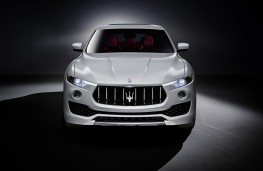 Maserati Levante, head on