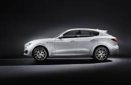 Maserati Levante, side