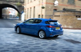 Lexus CT200h, rear action