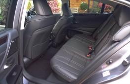 Lexus ES 300h, rear seats