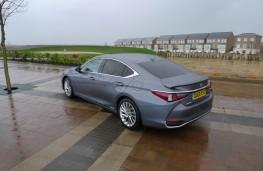 Lexus ES 300h, rear static