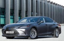 Lexus ES 300h, front