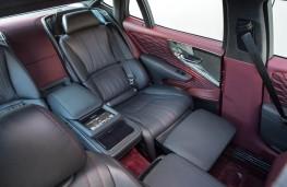 Lexus LS 500h, 2018, rear seats