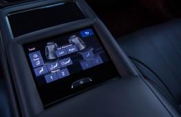 Lexus LS 500h, 2018, rear seat controls