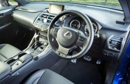Lexus NX 300h F Sport, dashboard