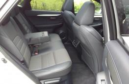 Lexus NX300h F Sport, rear seats