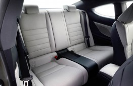 Lexus RC 300h, rear seats