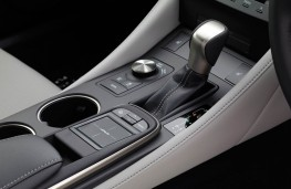 Lexus RC 300h, interior detail