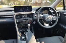 Lexus RX L Premium, cabin