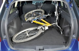 Dacia Logan MCV, boot with bicycle
