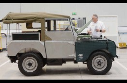 Jaguar Land Rover Classic Works, Land Rover Series1, side