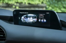 Mazda3 SkyActiv-X, 2019, display screen