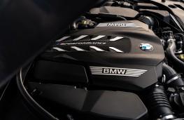 BMW M550i, 2020, engine