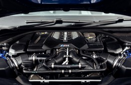 BMW M5, 2018, engine