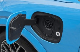 Ford Mustang Mach-E GT, 2020, charging point